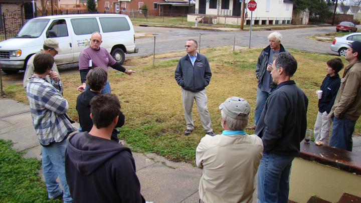 Bill Robinson leads training program for Global Green in New Orleans.
